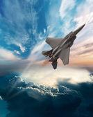F-15 eagle létání v oblacích