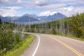 strada panoramica in montagne rocciose