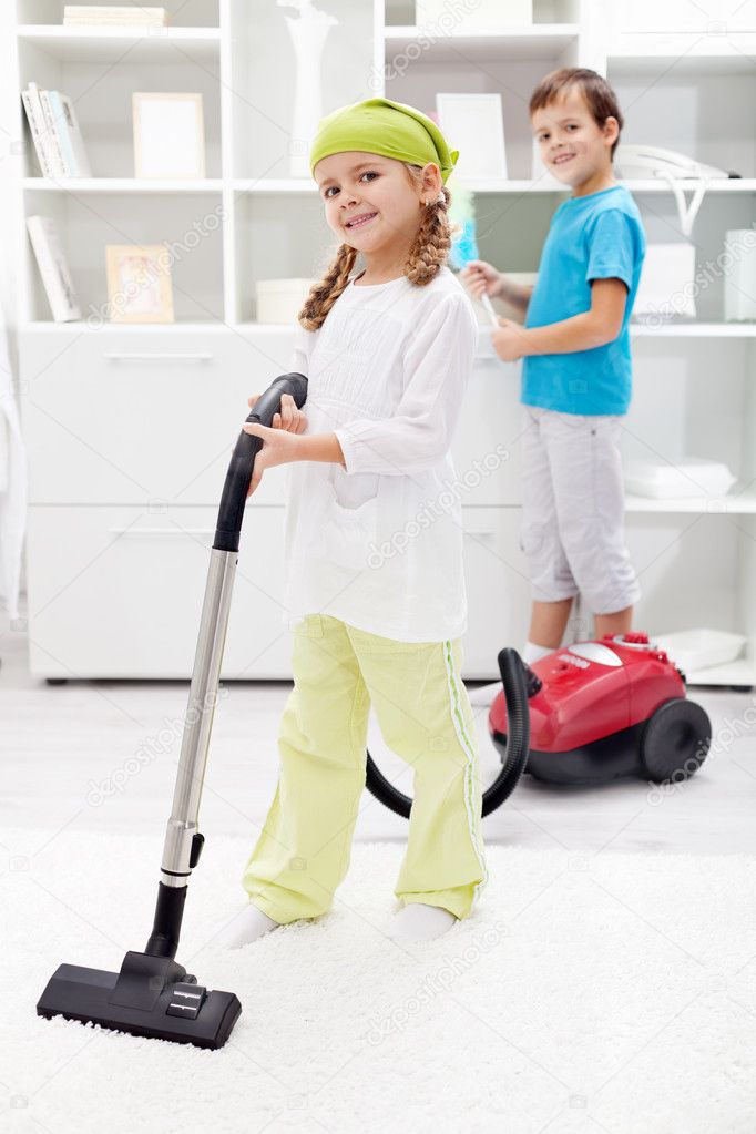 children cleaning their room - HD886×1329