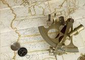 Térkép, Szextáns és iránytű