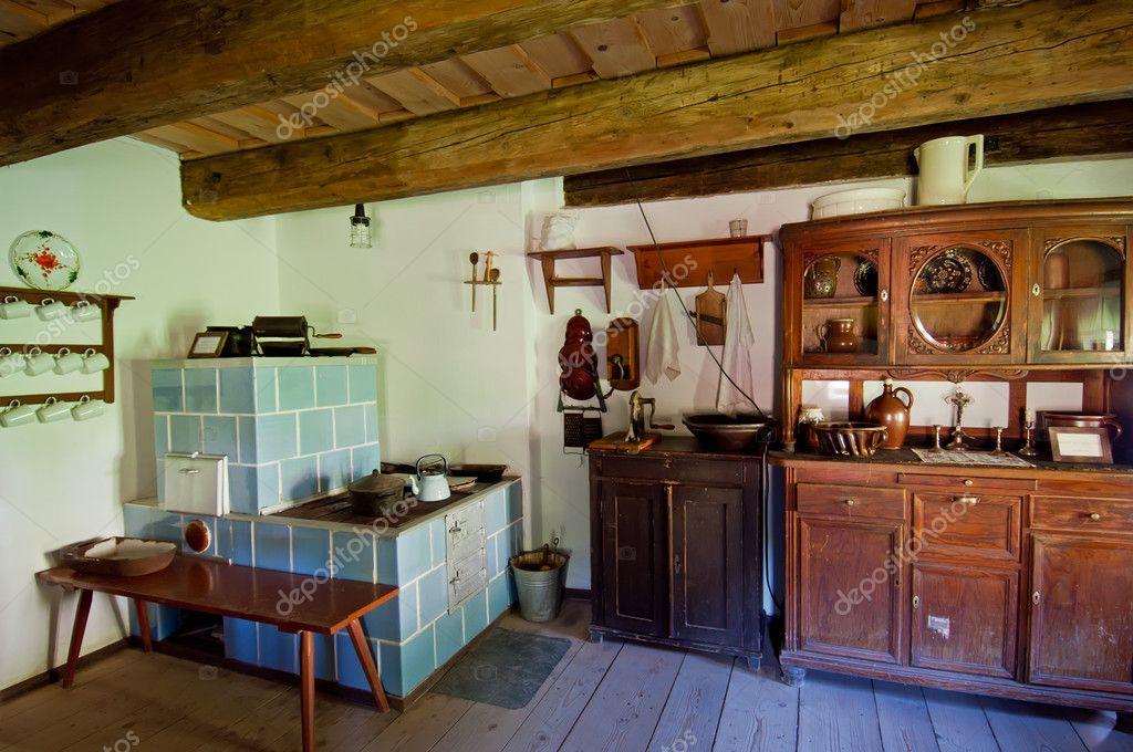 Oude houten huis interieur stockfoto johnnydevil 8077782 - Interieur eigentijds houten huis ...