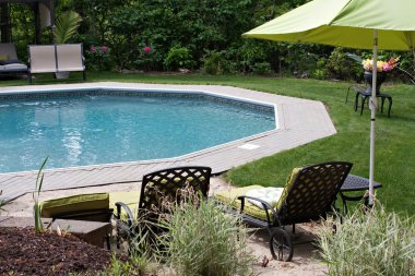 Luxurious In Ground Pool