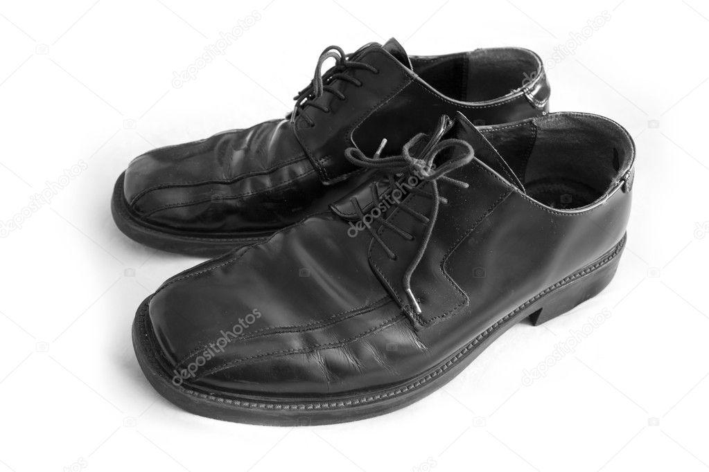 Ett par svarta mens klänning skor isolerade över vita — Foto av  ArenaCreative 89c179e2aa554