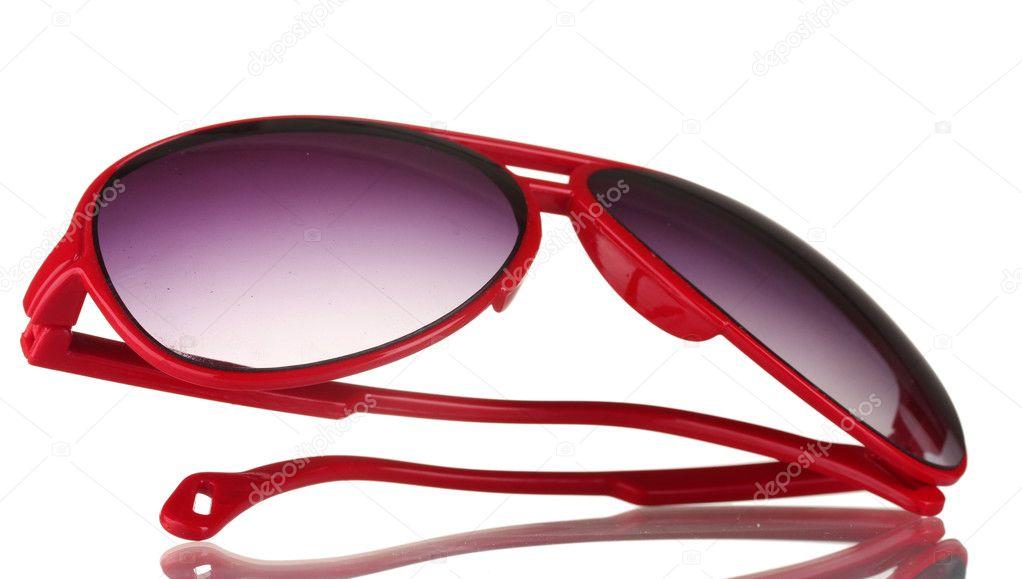 88ac4776dc Γυναικεία κόκκινα γυαλιά ηλίου που απομονώνονται σε λευκό– εικόνα αρχείου