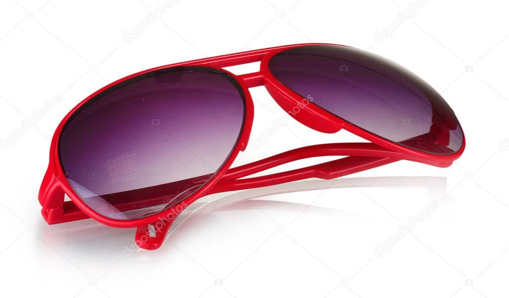 2a9ddbc4a3 Κόκκινα γυαλιά ηλίου γυναικών που απομονώνονται σε λευκό– εικόνα αρχείου