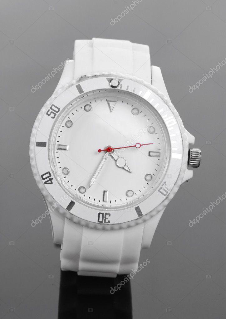 4022173d Красивые женские часы на сером фоне — Стоковое фото © belchonock ...