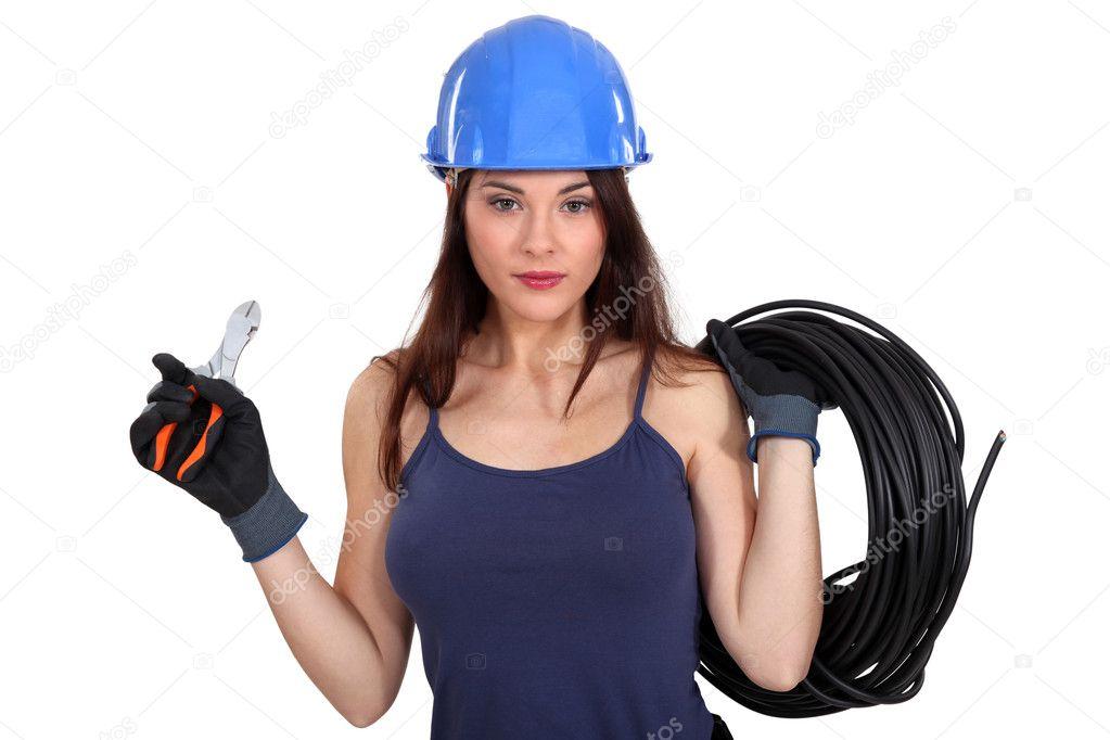 Работа электрика для девушки работа по вемкам в грязи