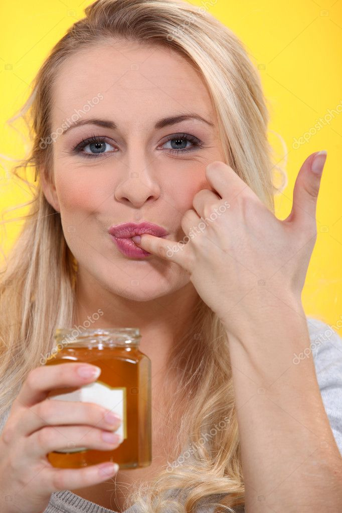 Hoe vinger een meisje en maak haar spuiten