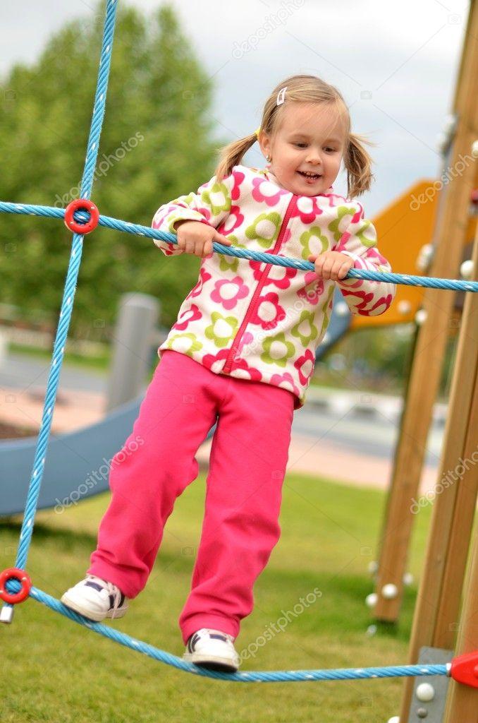 Baby Spring Schommel.Schattige Kleine Baby Op De Schommel Stockfoto C Muro 10621312