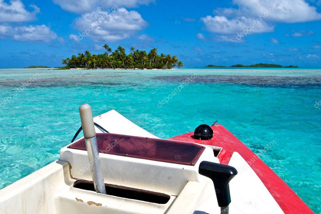 Blue lagoon and Poti Marara boat