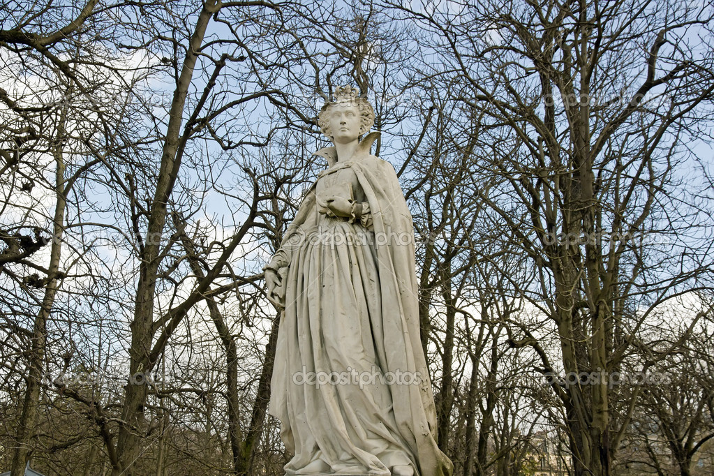 Statue of Queen Marie of Medicis