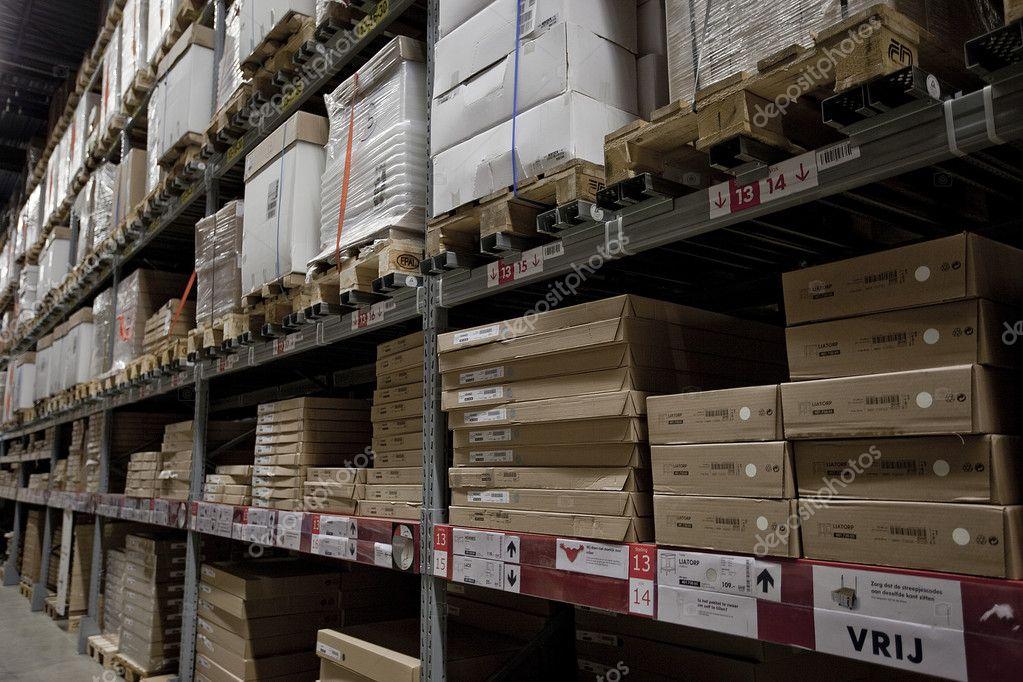 einkaufen lager logistik pakete transport versand verpackung lagerhalle stockfoto. Black Bedroom Furniture Sets. Home Design Ideas