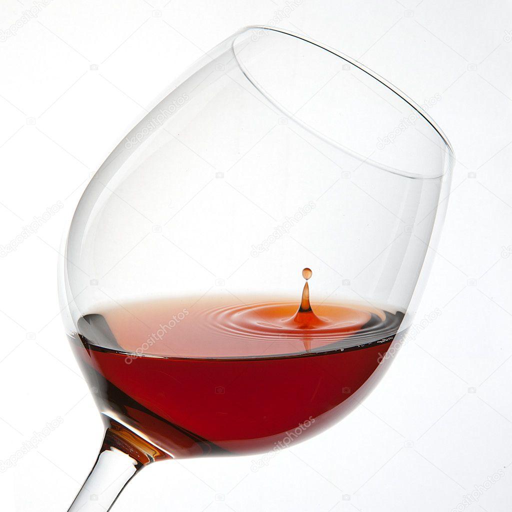 kontur wein glas rotwein weinflasche tropfen blasen. Black Bedroom Furniture Sets. Home Design Ideas