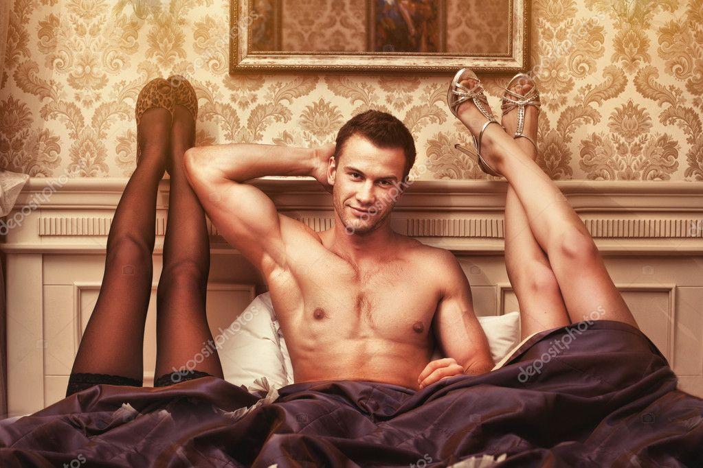 giovane con due donne in camera da letto ? foto stock © doodko ... - Donne In Camera Da Letto