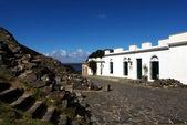 Fotografia vecchie case coloniali a colonia del sacramento - uruguay