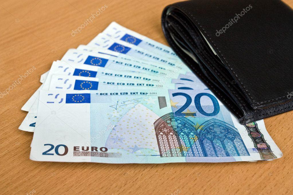 Euro europe argent billets de banque et portefeuille for Wohnlandschaft 600 euro