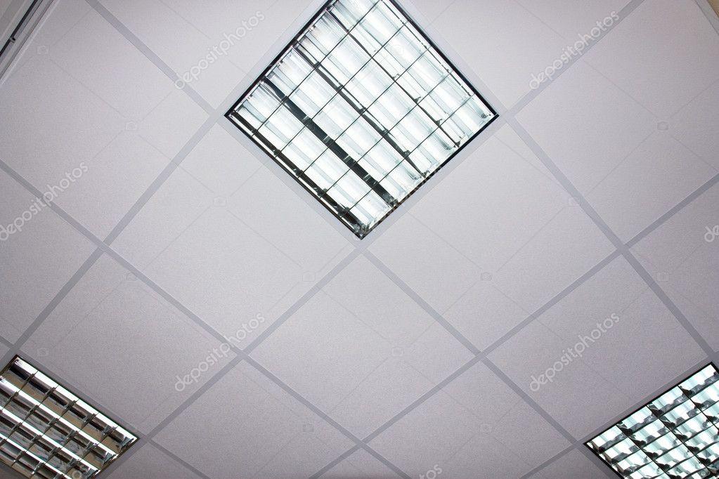 lampe fluorescente au plafond moderne architexture d tail photographie roystudio 9080058. Black Bedroom Furniture Sets. Home Design Ideas