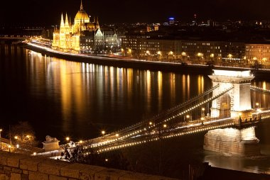 Hungarian parliament and chain bridge at night, Budapest