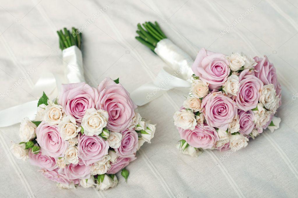 Zwei Hochzeitsstrauss Rosa Rosen Stockfoto C Melis82 8828792