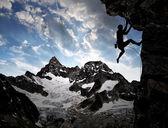 Fotografia sagoma scalatore