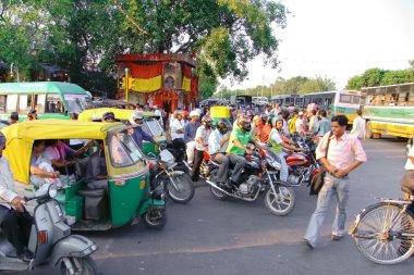 Street crowded in Delhi