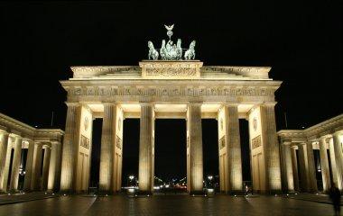 Brandenburg tor illuminated at night