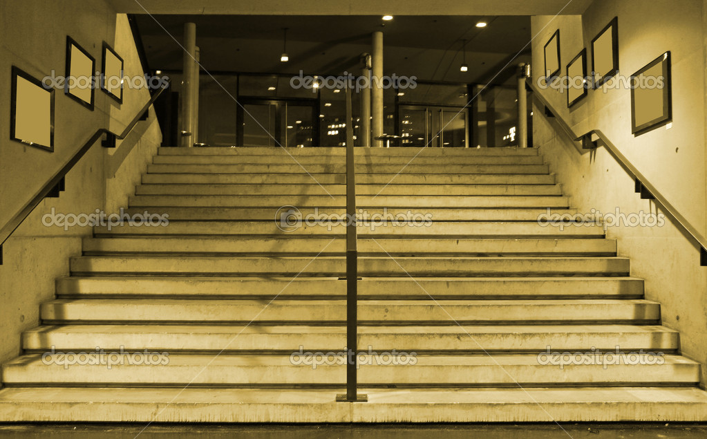 Wide Stairs Leading Up U2014 Stock Photo