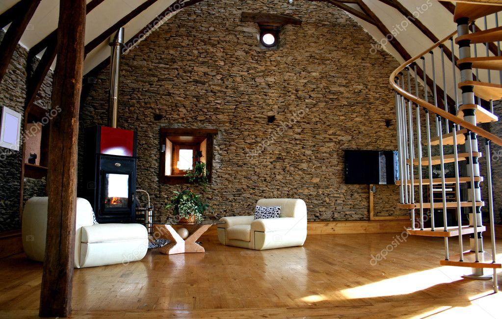 weergave van woonkamer met open haard en oude stenen muur en moderne ...