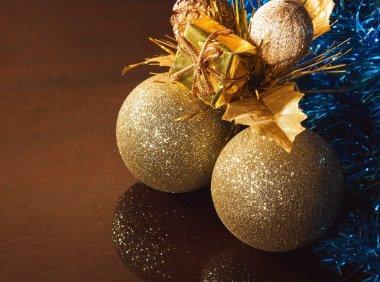 Chrsitmas tree balls