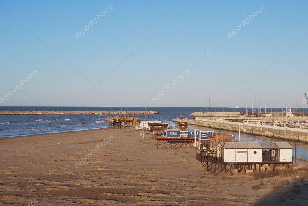 Pescara Strand der strand den hafen und die promenade pescara stockfoto
