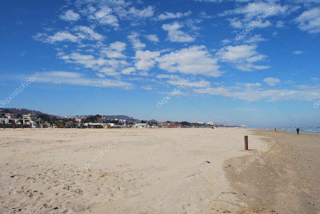 Pescara Strand der adria pescara strand an einem sonnigen tag stockfoto