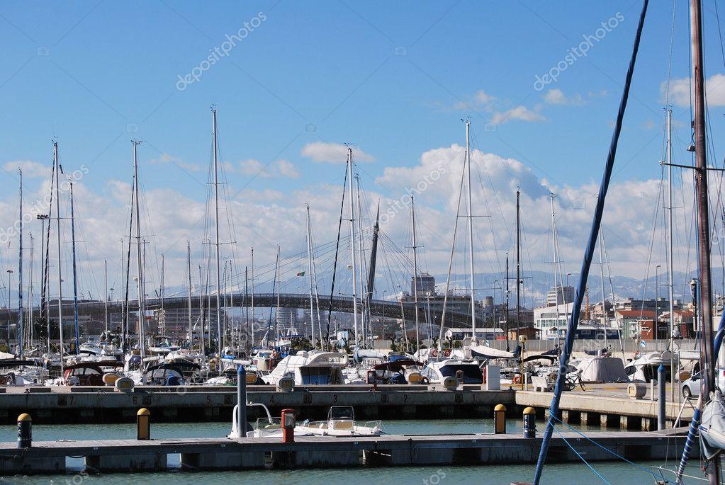 Pescara Strand am wasser hafen und strand pescara stockfoto neuartelena