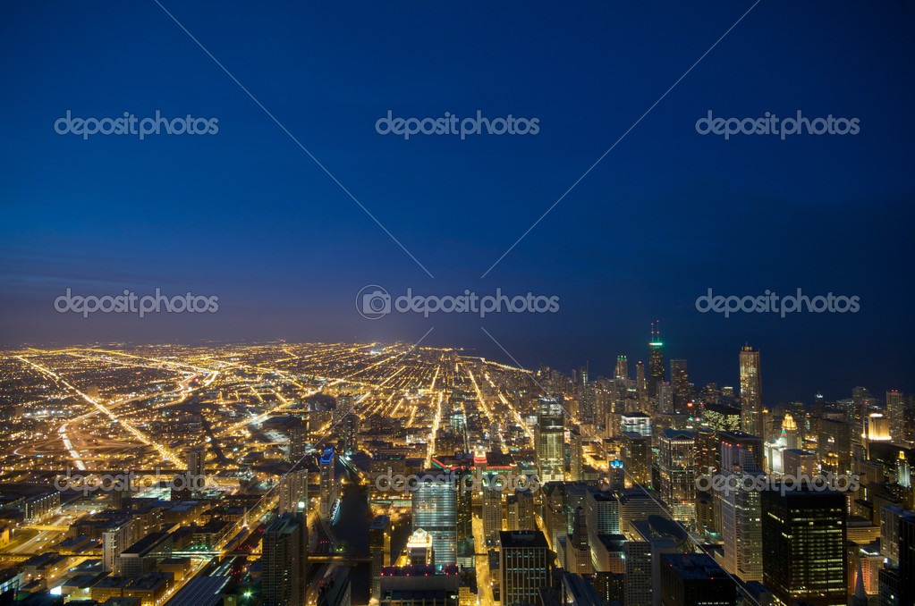 sears tower chicago regarder de nuit photographie tangducminh 10432902. Black Bedroom Furniture Sets. Home Design Ideas