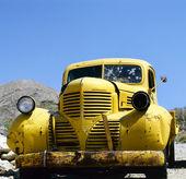 Fotografie ein gelb aufgegeben bonnie und Clyde-Fahrzeug