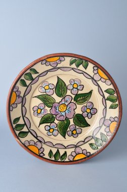 Plate decorated from