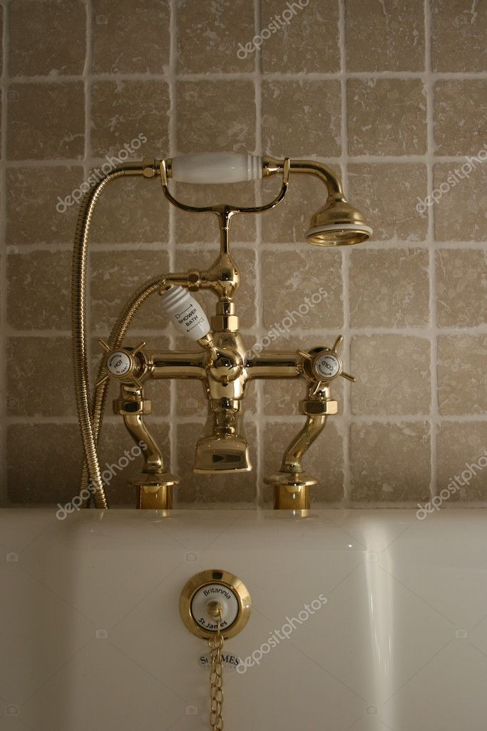 OLD BATH WITH GOLDEN TAPS — Stock Photo © just4you #8466409