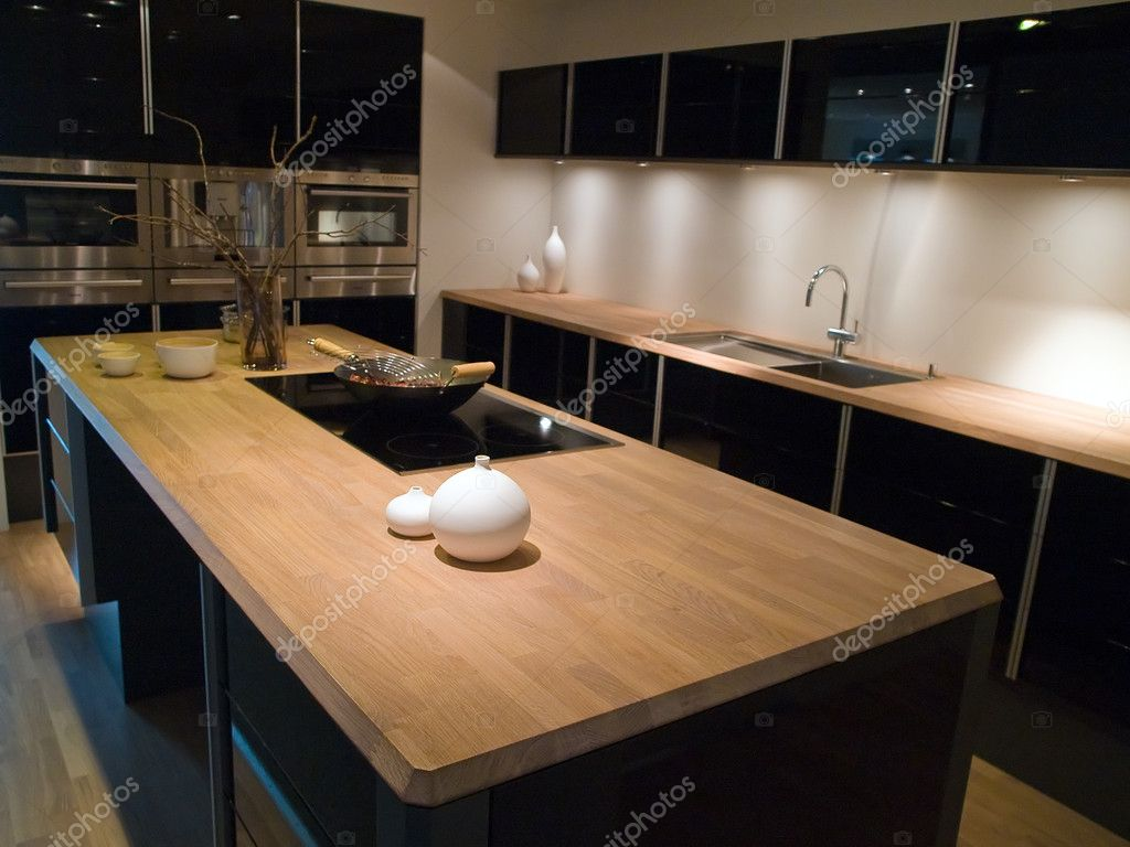 cucina in legno moderna design alla moda nero — Foto Stock ...