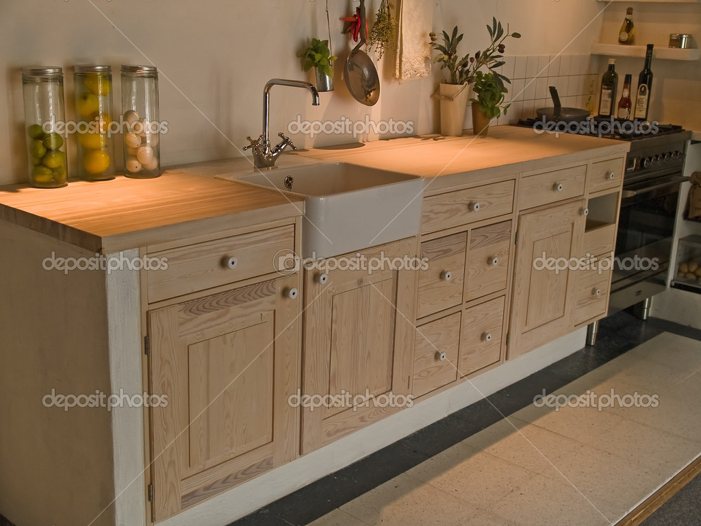 cucina di campagna in legno di design classico moderno neo — Foto ...