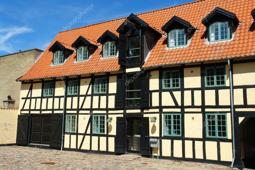 Casa di campagna danese tradizionale stile classico foto for Piani di casa in stile tradizionale