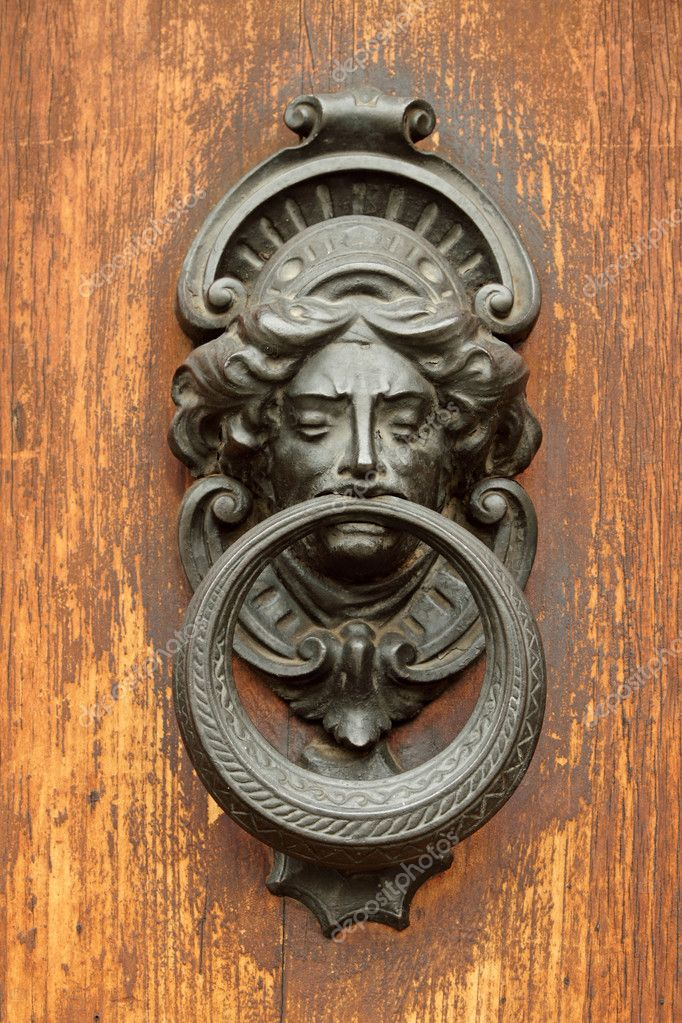 Elegant Antique Door Knocker U2014 Stock Photo