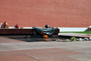 """Картина, постер, плакат, фотообои """"могила неизвестного солдата второй мировой войны. кремлевская стена москва ."""", артикул 9536042"""