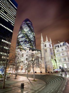 Gherkin or Swiss RE building