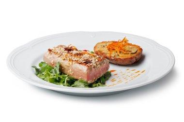 Tuna steak and potatoes