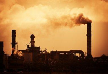 fabrikadan yükselen küresel ısınma duman