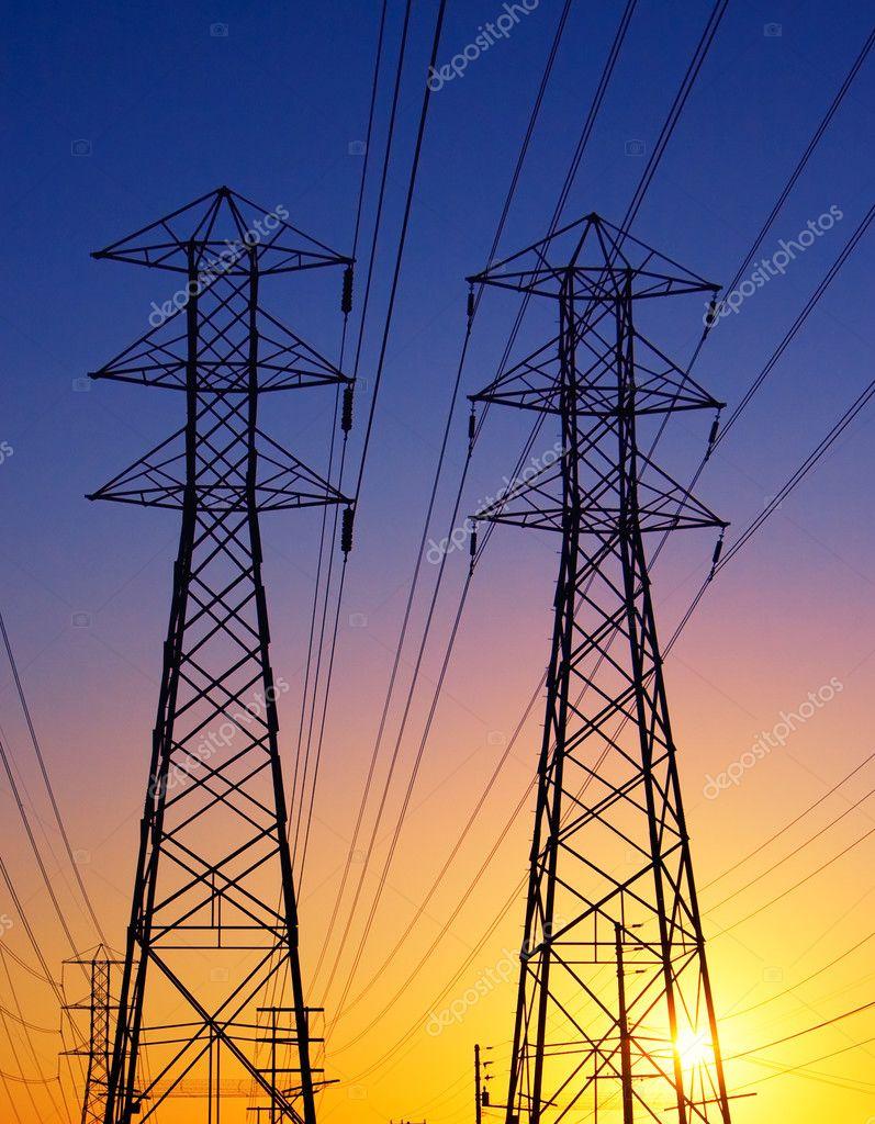 Прожекторные мачты, молниеотводы и опоры ЛЭП