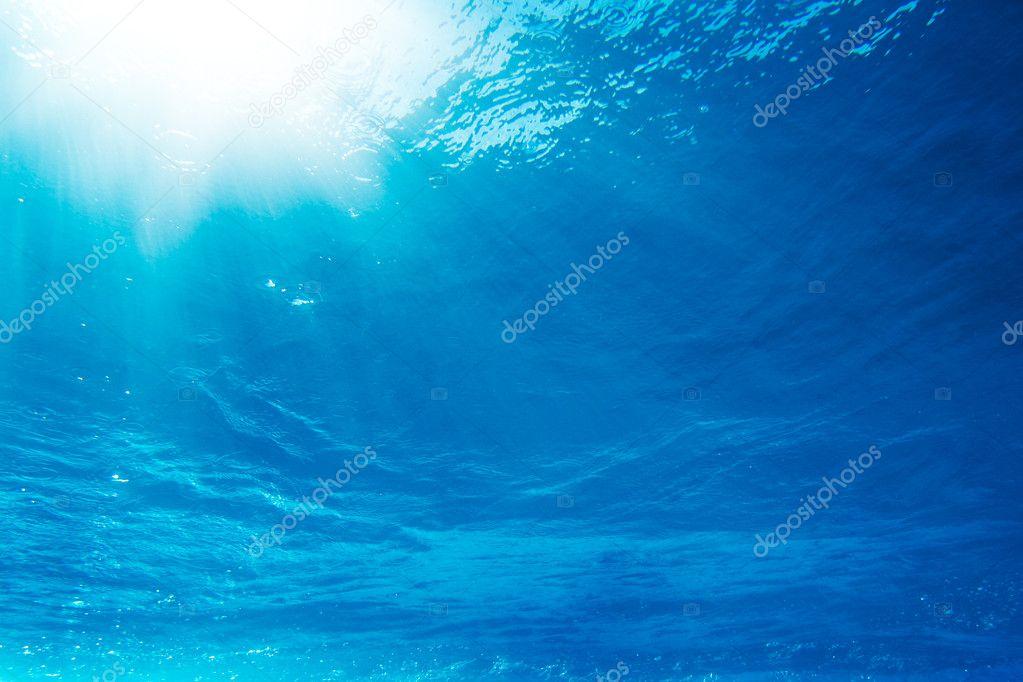Under Water Light Rays