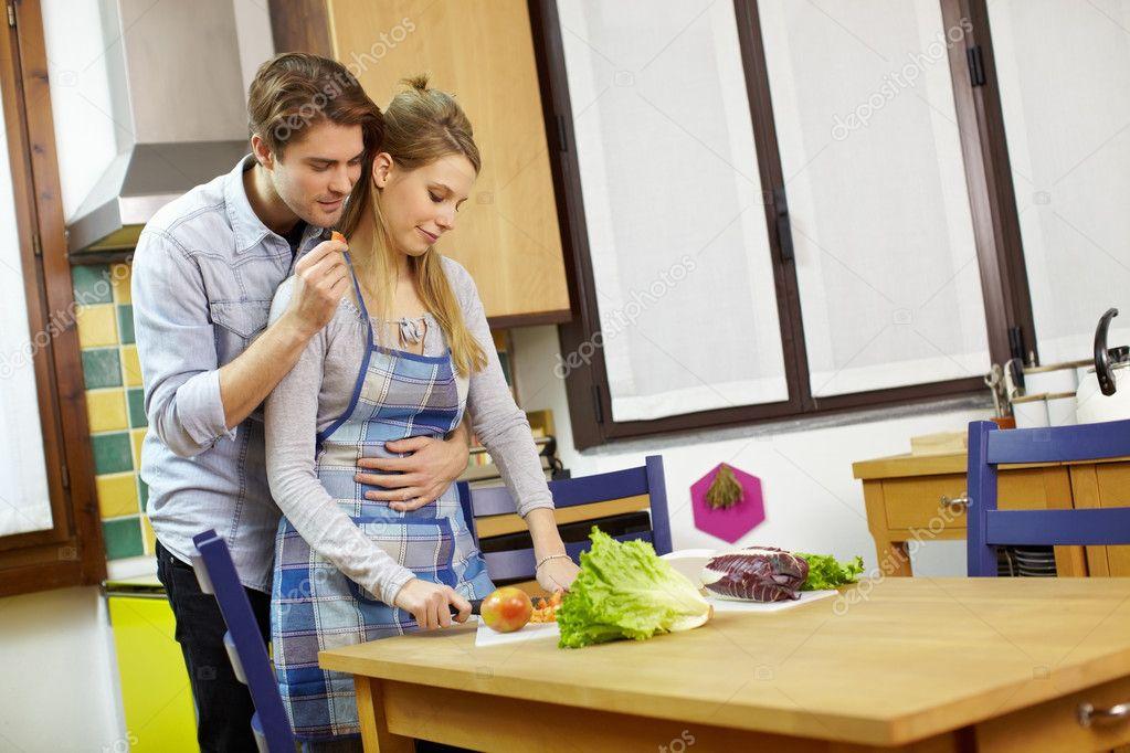 Αποτέλεσμα εικόνας για couple cooking in kitchen