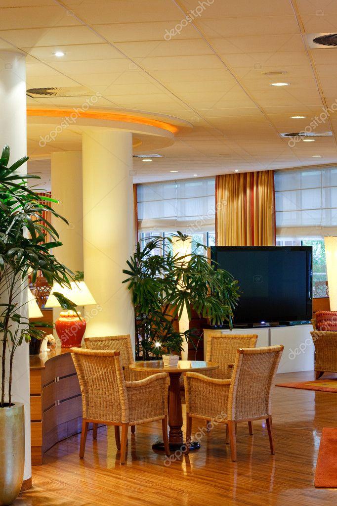 große Wohnzimmer — Stockfoto © lenyvavsha #10255370