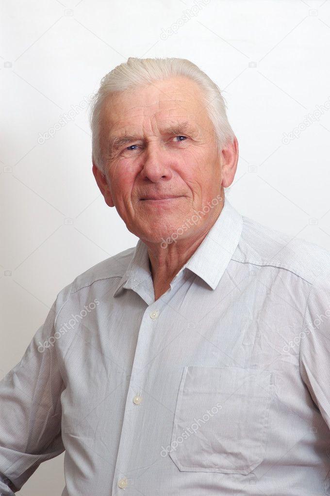 Resultat d'imatges de hombre 70 años