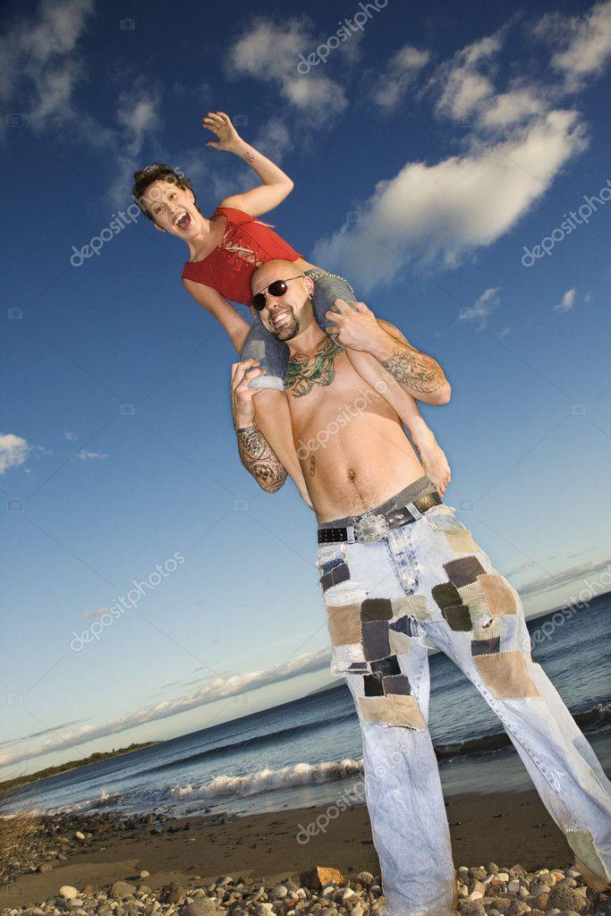 фото женщины верхом на мужчине